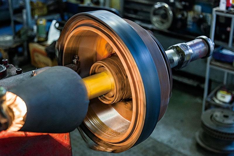 ドラムブレーキ研磨加工